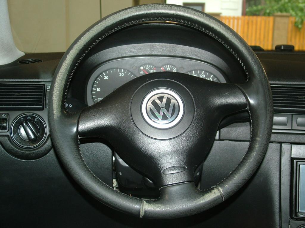 Before-Renovace koženoho volantu Golf IV