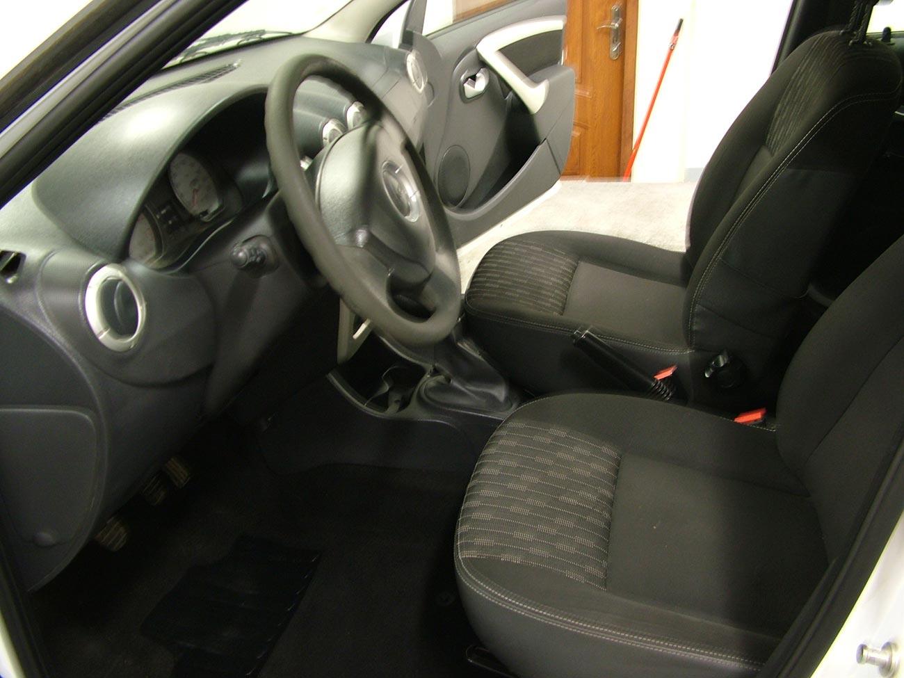 After-Dacia Logan interier